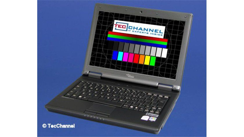 FSC Esprimo U9200: Business-Notebook im 12-Zoll-Format in der 2-Kilo-Klasse.