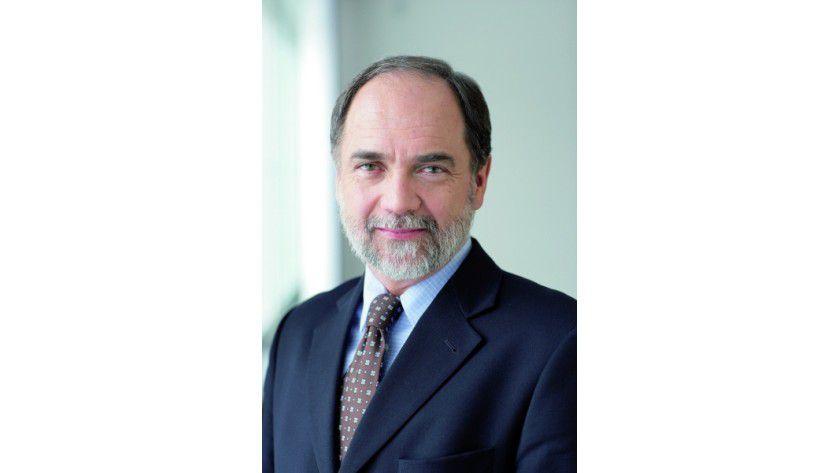 """Dr. Joseph Reger, CTO Fujitsu: """"Mit den aktuellen Smartphones und Web-Services hat die Cloud bereits den Durchbruch bei den Privatusern erlebt"""". (Quelle: Fujitsu)"""
