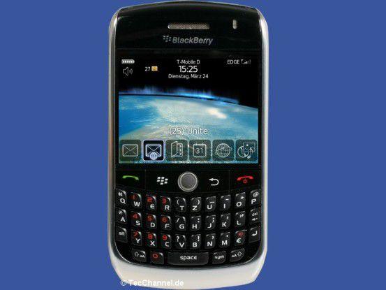 Massen-BlackBerry: Der Curve 8900 ist der kleinere Bruder des BlackBerry Bold.