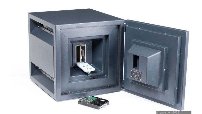 Secumem Threx: Der Datentresor beherbergt zwei Festplatten, die im RAID-1-Verbund arbeiten. (Quelle: Secumem)