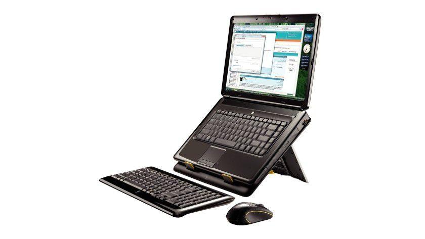 Notebook Kit MK605: Die Halterung für das Notebook lässt sich in drei Neigungswinkeln positionieren. (Quelle: Logitech)