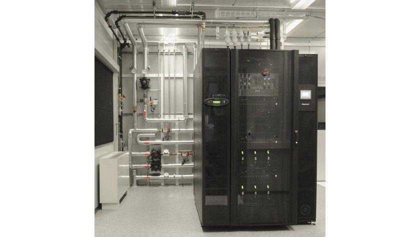 Aquasar: Der neue Supercomputer wird mir erstmals mit warmen Wasser gekühlt. (Quelle: IBM)