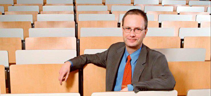 Thomas Bartscher, Fachhochschule Deggendorf: 'In unseren Köpfen muss sich festsetzen, dass ältere Arbeitnehmer nicht weniger leistungsfähig sind, sondern anders leistungsfähig.!