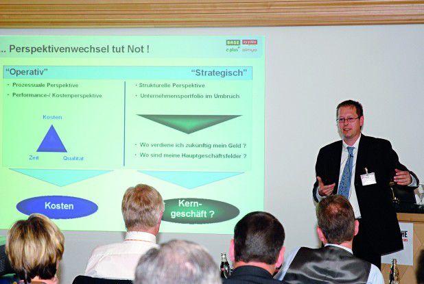 Auf dem 'Executive Forum' der COMPUTERWOCHE diskutierten hochkarätige CIOs aus deutschen Anwenderunternehmen verschiedene Sourcing-Strategien. Joachim Depper, Head of IT bei E-Plus, schilderte seine Erfahrung mit der Steuerung von vier externen IT-Dienstleistern.