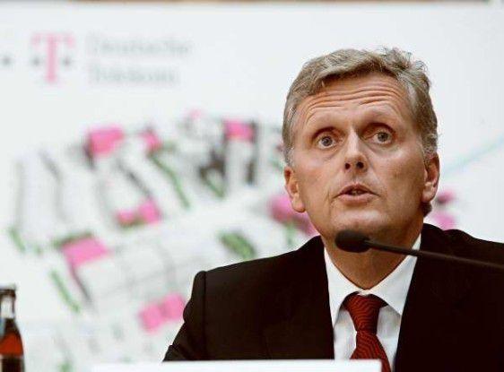 Kai-Uwe Ricke steht bei der Telekom mächtig unter Druck.