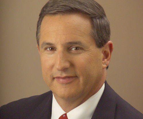 Mark Hurd, Chef von Hewlett-Packard,will mit Oracle und Intel die IBM-Großrechnerkunden auf neue Rechnerplattformen locken.