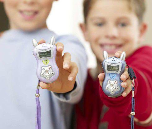"""Kleine """"Petze"""": Trotz einer Reihe nützlicher Funktionen schießt das i-Kids-Handy über das Ziel hinaus. Foto: Björn Steiger Stiftung"""