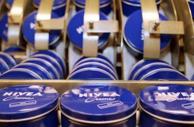 Die bekannteste Beiersdorf-Marke ist Nivea. Doch der Konzern stellt auch Hansaplast-Wundpflaster und Tesa-Klebebänder her.