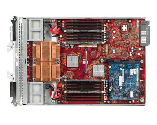 Ein Sun Blade X6250 mit kompliziert aussehenden Kühlkörpern für die Quad-Core-Xeons.