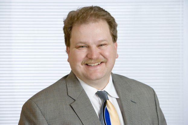 Matt Bross, CTO bei BT, sieht künftig die Rolle der Carrier als Software-Anbieter.