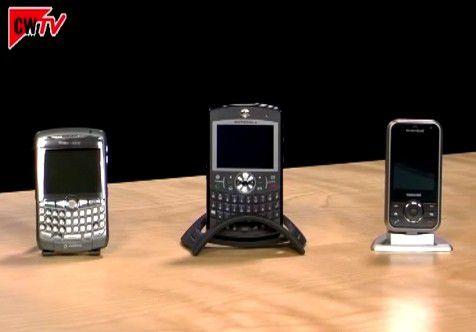 Lange Zeit stand der Blackberry als Synonym für den mobilen E-Mail-Push. Doch die Konkurrenz aus dem Windows-Mobile-Lager holt auf (Video startet nach Klick ins Bild).
