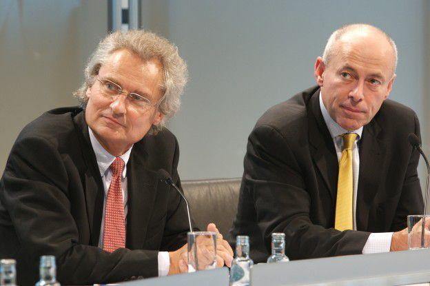 SAP-Chef Henning Kagermann und John Schwarz, CEO von Business Objects, bezeichnen die Übernahme als Zusammenschluss zweier Marktführer. Experten werden genau beobachten, wie und ob beide Firmen zusammenwachsen.