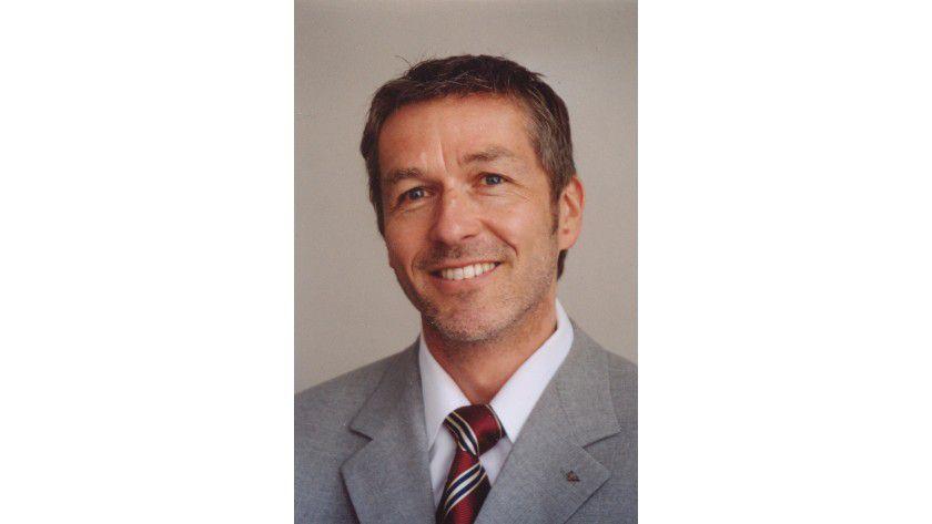 Axel Stadtelmeyer, GFN: Selbst ein Diplomphysiker, der jetzt programmiert, gilt als Geringqualifizierter.