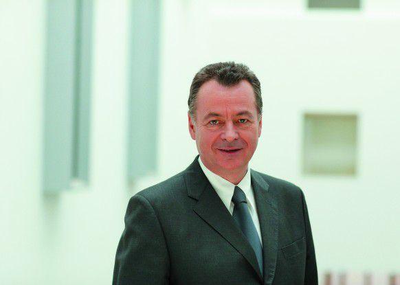 Bernd Bischoff, President und CEO von FSC, sagt, dass im Umfeld neuer Applikationen klassische Mainframe-Technik nur in Ausnahmefällen zu positionieren ist.