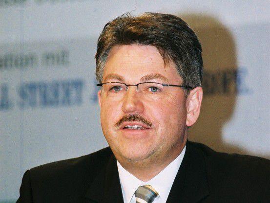 Brachte gemeinsam mit seinen IT-Leiter-Kollegen die neuen Strategien auf den Weg: Klaus Hardy Mühleck, Konzern-CIO bei Volkswagen.