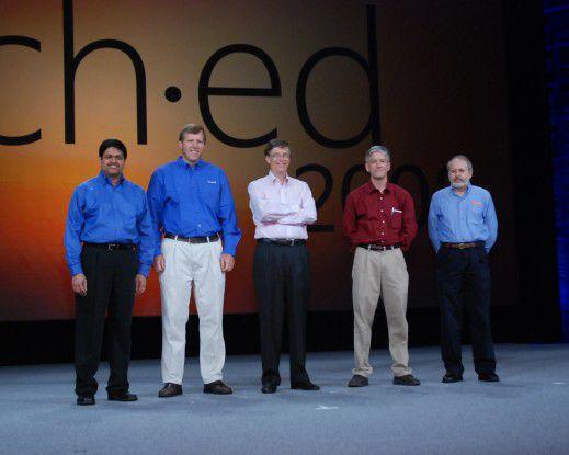 Gruppenfoto auf Microsofts TechEd 2008 mit Bill Gates in der Mitte.