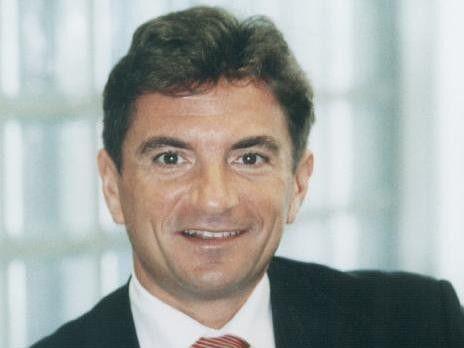 Ferri Abolhassan, startete seine Karriere bei Siemens, wechselte später zu SAP und danach zu IDS Scheer, um 2005 wieder zur SAP zurückzukehren. Nun hat ihn T-Systems verpflichtet.