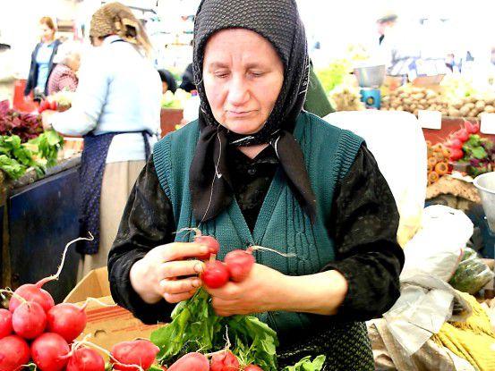 Wer in Rumänien Geschäfte macht, muss sich auf andere Gepflogenheiten einstellen. (Foto: Alexandra Bucurescu/Pixelio)