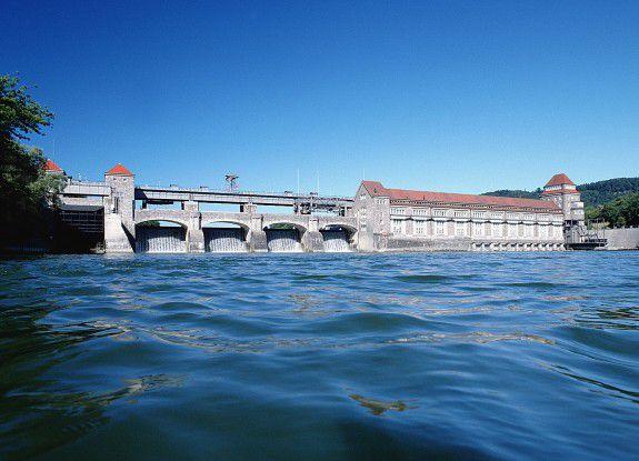 Wasserkraftwerke sind eine Option von umweltverträglicher Energiegewinnung.