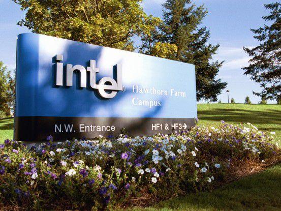 Ein Intel-Firmenschild in Hawthorn Farm, Oregon