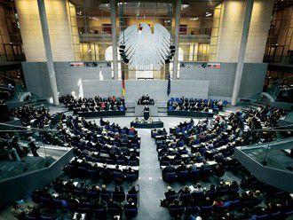 Der Bundestag beschließt neue Gesetze zur Handy-Ortung, 0180-Nummern und Telefonwerbung.