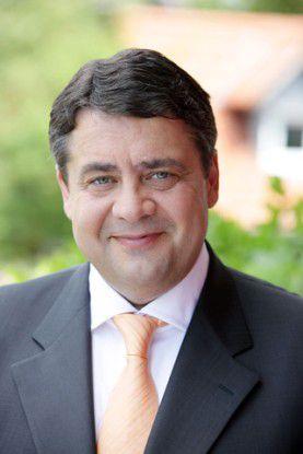 """""""Deutschlands Rechenzentren müssen deutlich energie- und ressourceneffizienter werden"""", sagt Bundesumweltminister Sigmar Gabriel."""