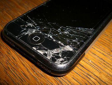 iPhone geplatzt: Franzose durch Glassplitter verletzt.
