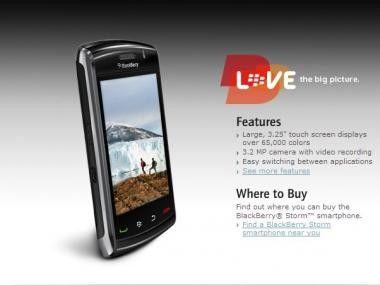 Blackberry Storm 2: RIM hat sein im November 2008 vorgestelltes Touchscreen-Gerät überarbeitet.