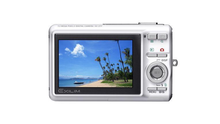 Casio bietet die Exilim- Digitalkamera nun auch im winterlichen Weiß an.