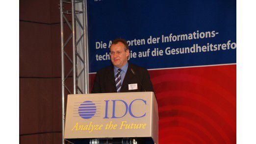 Der Geschäftsbereichsleiter Healthcare bei T-Systems Hubert Haag wettert gegen die Politik.