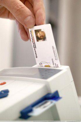 Sollte schon 2006 eingeführt werden: Die Elektronische Gesundheitskarte bleibt auch nach der jüngsten Anhörung im Bundestag umstritten.