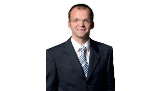 """""""Die Anforderungen an Disziplinen-übergreifendes Know-how steigen spürbar an"""", sagt Hartmut Lüerßen, Geschäftsführer des Dienstleistungs- und Marktforschungsunternehmens Lünendonk."""