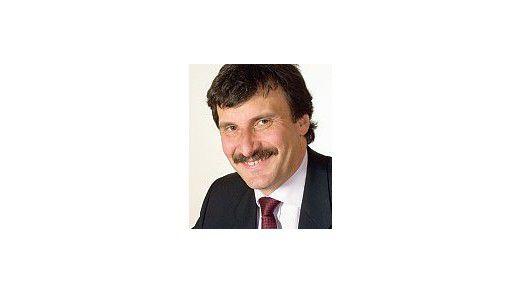 """Massimo Pezzini, Analyst Gartner Group: """"SAP verbindet SOA-Technologie mit Geschäftsinhalten und bietet gute Ansätze, rasch Applikationen zu bauen, die Geschäftsprozesse unterstützen."""""""