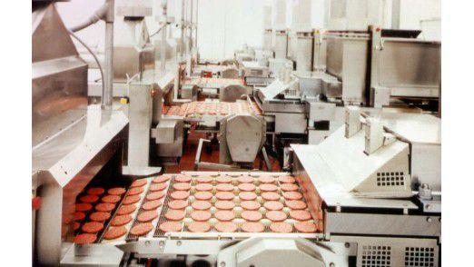 Burger am Band: Ein Blick auf die Produktionslinie von OSI.