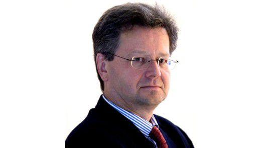 """""""Gratis ist Lean-Management nicht zu haben. Aber es zahlt sich langfristig aus, weil die Organisation anschließend sauberer läuft sagt Hans-Achim Quitmann, CIO bei der Zumtobel AG."""