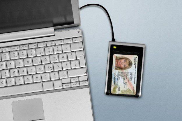 Testexemplar: Mit dem elektronischen Personalausweis soll der Identitätsnachweis gegenüber Behörden und Unternehmen möglich werden. Quelle: BMI, Berlin