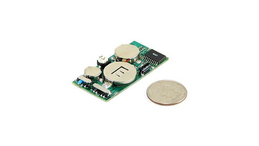 Annoy-a-tron ist für jeden Spaß zu haben. Dieser kleine Chip ist jeden Cent Wert.