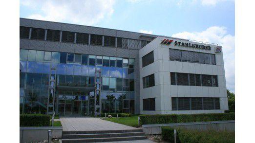 Wechselte erfolgreich vom Mainframe auf Linux: Die Stahlgruber GmbH mit Sitz in Poing.