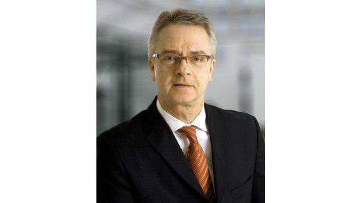 """""""Unterlagen zur Person und zum beruflichen Werdegang benötigt man auch als Top-Führungskraft"""", so Niels Fischer von der Schickler Personalberatung."""