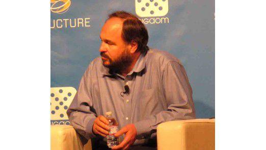 Paul Maritz, CEO von VMware, bläst zum Angriff gegen Microsoft: Betriebssysteme wie Windows sollen durch Virtualisierung überflüssig werden.
