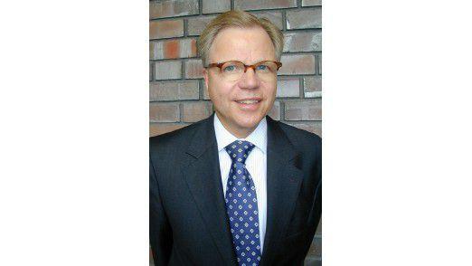 Begriffe wie Cloud Computing gegenüber dem Business komplett vermeiden. Dazu rät Hartmut Jaeger, Mitglied der Geschäftsleitung von PA Consulting.
