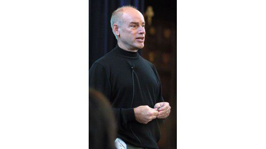 Ken Schwaber hat zusammen mit Jeff Sutherland Scrum entwickelt. Unlängst besuchte er Deutschland und hielt Scrum-Kurse.