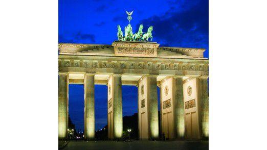 Nach der US-Spähaffäre setzt sich Berlin mit Macht für strenge Regeln ein. Alles nur Wahlkampf?, fragt man sich in der EU.