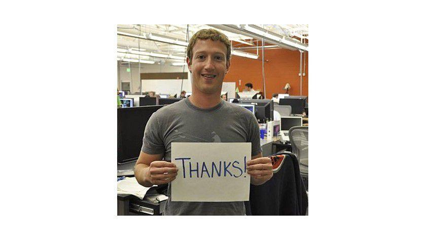 Money for nothing: Mehr als vier Milliarden Dollar geben Unternehmen jährlich für Werbung bei Facebook aus. Grund genug für Marc Zuckerberg, sich artig zu bedanken.