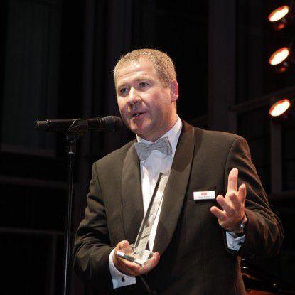"Audi-CIO Klaus Straub nahm den Preis ""CIO der Dekade"" im Bonner Grandhotel Kameha entgegen."