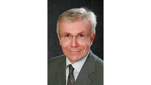 Hans-Bernd Kittlaus beobachtet, dass agile Prinzipien oft als Kriegserklärung an klassische Projektmanagement-Methoden angesehen werden.