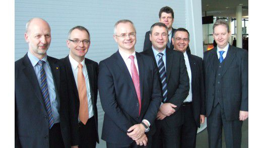 Die Gründer des neuen CIO-Verbands (v.l.): Andreas Rebetzky, Martin Urban, Thomas Endres, Henning Stams, Karsten Vor, Constantin Kontargyris und Dietmar Lummitsch. Es fehlen Hermann Kruse und Joachim Reichel.