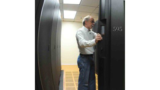 Nur ein Schritt liegt zwischen der physikalischen und der virtuellen Welt der Server: Auch KMUs sind auf diesem Weg, aber sie nutzen nur einen Teil der Vorteile.