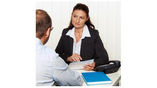 Klingt einfacher als es ist: Der Bewerber, der seinen künftigen Arbeitgeber davon überzeugt, wie sehr er ihm nutzen kann, kommt leichter an einen Job.