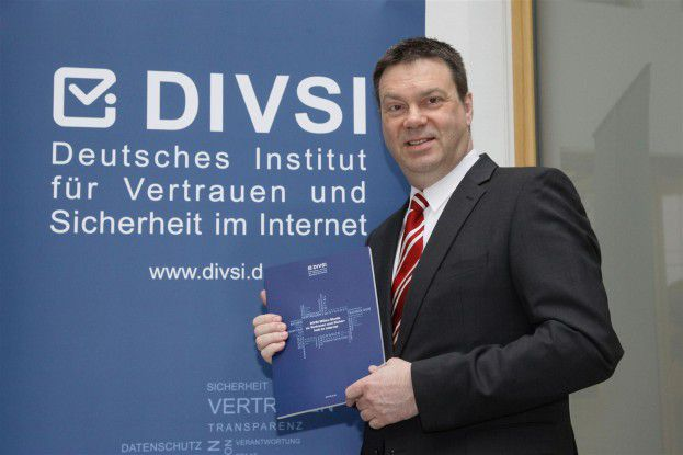 Seit November 2011 fungiert Matthias Kammer als DIVSI-Direktor. Zuvor war er Dataport-Chef. Hier bei der Vorstellung der Studie in Berlin.